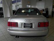 Audi A8 USA rendszámhely