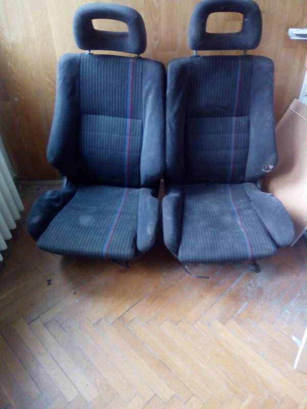 GSi üléspár