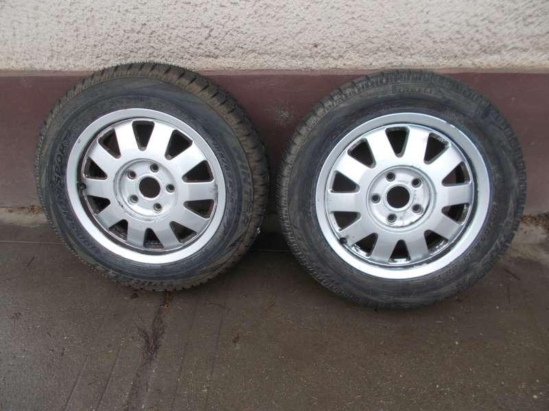 1 pár Audi A4 b5 gyári alufelni 185/65 r15 Pirelli téli gumikkal eladó.
