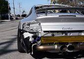 Ebben a melegben jól jön egy kis garantált hideg hátborzongás: Porsche 911 Turbo rajtja, botrányosan szép hangorkánnal.