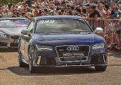 Így mutatja meg a BMW-nek és a Mercedesnek ki a főnök a világ jelenleg leggyorsabb Audi RS7-ese.