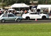 Itt a videó: nem csak az összkerekes Volkswagen-gyorsulási világrekordot döntötte meg, de egy 1.300 lóerős Nissan GT-R-t is elsiratott a 16Vampir.