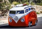Ilyen szinten átfaragott, Type 2-es Volkswagen Transportert még nem látott a világ: íme a Surf Seeker!