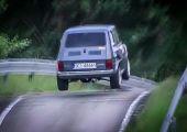 Mérges egy Kispolszki: így teper a Honda CBR motorjával szerelt rallye példány!