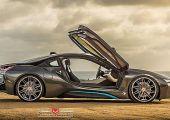 Mennyire ott van: BMW i8, 22 colos VOSSEN garnitúrával!