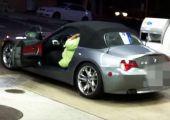Még hogy kicsi a hely a BMW Z4-esben...