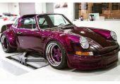 Bahrain utcáit rója majd a RAUH-Welt Begriff legfrissebb üdvöskéje - 1975-ös Porsche 911 Targa alapokon. És valami hihetetlenül szép.