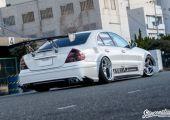 Nincsenek határok! Mercedes E-osztály, japán stílusban.