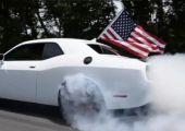 Függetlenség napi gumifüstölés 1. rész. Amerikában így ünnepelnek a benzinvérűek.