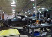 Egy kis érdekességgel indítjuk a napot. Betekinthettek a Roadster Shop műhelyébe!