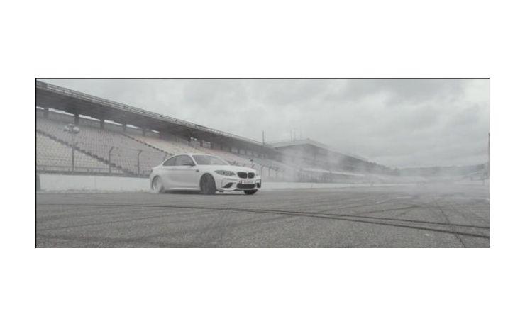 Fantasztikus videó a Format67.net-től, egy M2-vel a főszerepben! A hangok, a látvány.... Ezt látni kell!!!