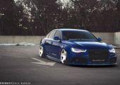 Back to the old school: Audi A6 RS-ítve és természetesen lufikkal.
