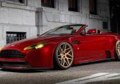 Nem kellenek szavak: Aston Martin Vantage a VOSSEN szettjére ültetve