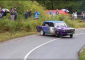 Rally, Lada, koppkereszt. Kell ennél többet mondani?