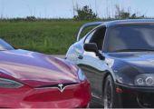 Valóban verhetetlen gyorsulásban a Tesla Model S? Teszteljük le egy 1.000 lóerős Toyota Suprával!