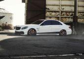 Sportos  négyajtós - Mercedes E63