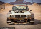 Frankenstein - Szétszélesített Toyota Hilux, turbós V8-as motorral az orrában.