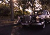 A Peasant Films bemutatja: Egy W108 története.