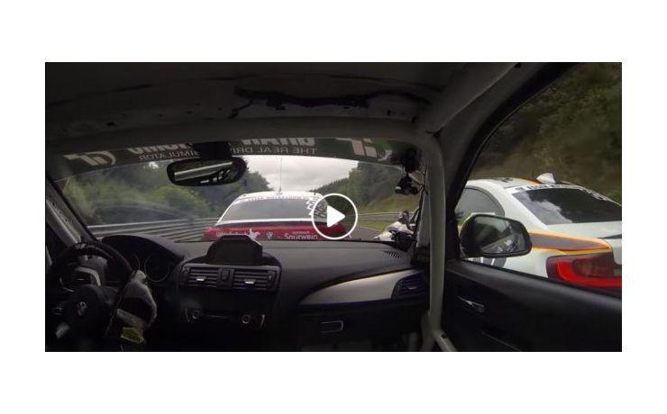 Ilyen egy igazi autóverseny!