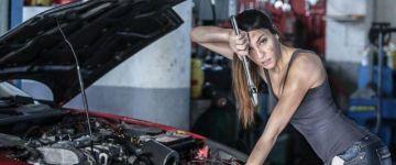 Olajcsere: Nők vs. Férfiak