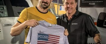 Nyerd meg Te a Chip Foose által dedikált pólót!