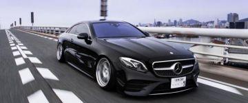 Fekete gyönyörűség - Mercedes E kupé