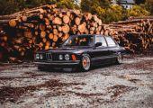 Classic, not plastic - BMW E21
