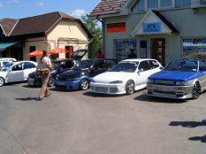 Barátok autóival
