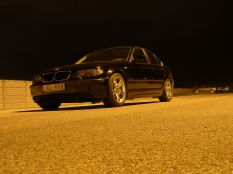 BMW E46 éjszaka
