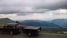 A Transalpina tetején ! (2145méteren 3 személy+futóval !)