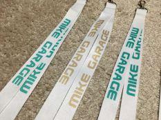 Mike Garage nyakba akasztható kulcstartók