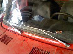2T krómos ablaktörlőkkel